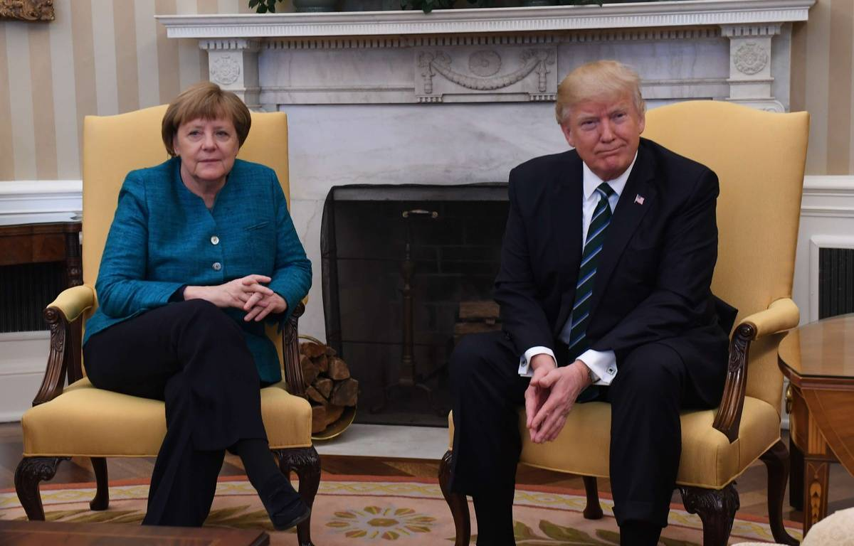 La rencontre entre Angela Merkel et Donald Trump à la Maison Blanche n'a pas vraiment été chaleureuse. – Pat Benic//NEWSCOM/SIPA