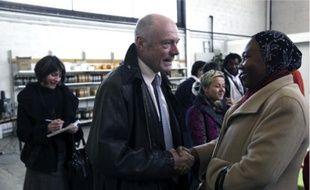 L'entreprise est l'un des thèmes favoris d'Alain Rousset.Alain Rousset et son équipe, le temps d'un déjeuner de campagne.Visite de l'entreprise d'économie solidaire Les P'tits Cageots, à Talence, et rencontre avec ses bénéficiaires.