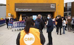 Mouvement de greve du personnel Carrefour, organise par le syndicat CFDT, Carrefour Lingostiere, Nice FRANCE - 03/04/2021//SYSPEO_sysA002/2104031625/Credit:SYSPEO/SIPA/2104031627