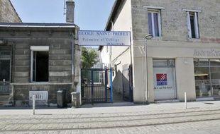La grille d'entrée du cours Saint-Projet, à Bordeaux, le jeudi 3 juin.