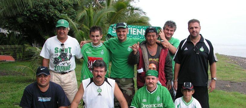 Tous les membres fondateurs de l'association des Verts de Tahiti, qui a vu le jour en décembre 2005.