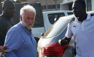 L'ancien patron du géant pétrolier français Elf, Loïk Le Floch-Prigent, inculpé au Togo pour complicité d'escroquerie, a été à nouveau entendu par un juge mercredi à Lomé.
