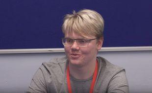 Miles Soloman, un Britannique de 17 ans, fait le «buzz» depuis ce vendredi 23 mars 2017, après avoir repéréune erreur non identifiée par l'agence spatiale américaine.