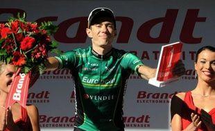 Les 166 coureurs du Tour de France ont pris vendredi vers 11H10 le départ de la 12e étape, la plus longue de la course avec 226 kilomètres entre Saint-Jean-de-Maurienne (Savoie) et Annonay Davézieux (Ardèche).