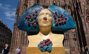 Parmi les animations estivales 2016 à Strasbourg, des 10 coiffes alsaciennes géantes et revisitées par des artistes vont être disséminées dans la ville.