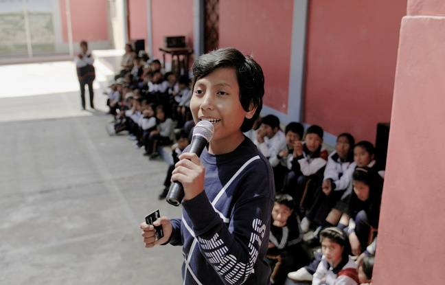 José Adolfo, un Péruvien, a monté à l'âge de 7 ans une banque pour enfants qui leur propose de récolter cartons et plastique. Le documentaire Demain est à nous raconte son parcours.