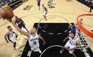 Tony Parker, le meneur de jeu des SanAntonio Spurs, le 6 novembre 2013, contre Phoenix.