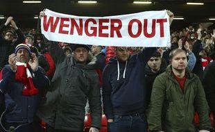Le message est on ne peut plus clair de la part de ces supporters d'Arsenal, lors du match Liverpool-Arsenal (3-1) le 4 mars 2017.