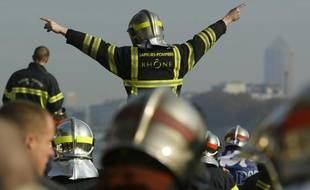 Manifestation de pompier à Lyon, le 17 novembre 2011.