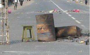 Port-Gentil est cernée par les barricades.