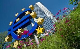 Tout juste sortie de récession, la zone euro semble s'engager sur la voie de la reprise avec une activité du secteur privé qui s'est établie en août au plus haut depuis deux ans, selon une enquête publiée jeudi et très surveillée par les marchés financiers.