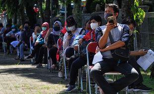 La longue file d'attente pour se faire tester pour le coronavirus à Sleman Yogyakarta, le 12 mai 2020.