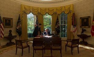 Donald Trump dans le bureau ovale de la Maison-Blanche, en octobre 2017.