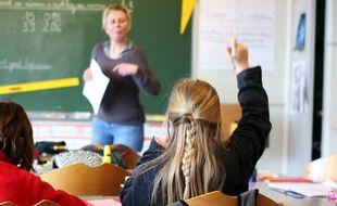 Illustration d'une élève inscrite en école primaire, ici à Rennes.