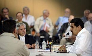 """Dénué du charisme qui protégeait Hugo Chavez des échecs de sa gestion, Nicolas Maduro, président par intérim du Venezuela, a dû s'emparer du thème de l'insécurité en vue de la présidentielle du 14 avril, le taux d'homicide n'ayant cessé de croître en 14 années de """"chavisme""""."""