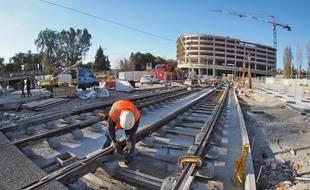 Les rails seront prêts à accueillir les premières circulation de test, dès février 2018