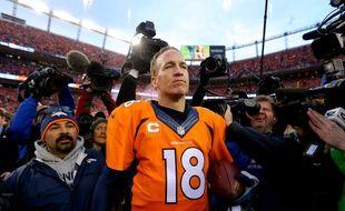 Peyton Manning après le match entre les Denver Broncos et les New England Patriots le 24 janvier 2016.
