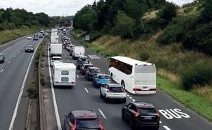 Sur l'A83, au sud de Nantes, une voie réservée aux bus sera créée.