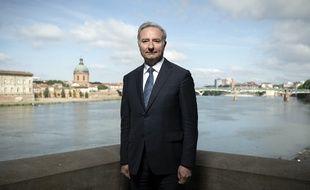 A 59 ans, Jean-Luc Moudenc est reconduit au Capitole par les Toulousains.