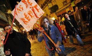 Nantes, le 18/11/2010 Zombies walk marche des zombies dans les rues nocturnes