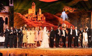 Une partie de la troupe des Enfoirés sur la scène de la Halle Tony-Garnier (Lyon), le 16 janvier 2021.