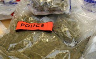 Haut-Rhin: Contrôlé après avoir oublié son clignotant, un automobiliste est condamné pour possession de drogue (Illustration)