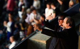 Le Premier ministre Manuel Valls et le président de l'UEFA Michel Platini lors de la finale de la Ligue des Champions le 6 juin 2015 à Berlin