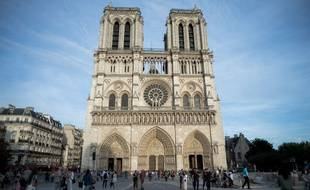 Le parvis de Notre-Dame.