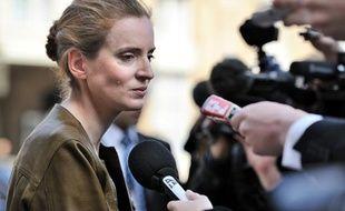 Nathalie Kosciusko-Morizet, la ministre de l'Ecologie répond aux questions des journalistes dans la cour de l'Elysée, le 16 mars 2011.