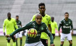 A l'image de son équipe, Wahbi Khazri, expulsé en fin de partie, a vécu un dimanche catastrophique contre le Losc de Thiago Mendes (0-1). JEFF PACHOUD