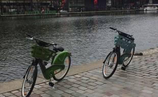 Les nouveaux vélib' de Smoovengo ont été présentés ce matin aux abords du bassin de La Villette.