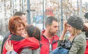 Certains naufragés ont retrouvé leur famille hier à Marseille.