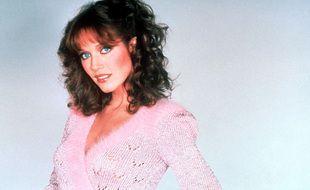 Tanya Roberts a joué dans la saison 5 de Drôles de Dames, en 1980 et 1981.