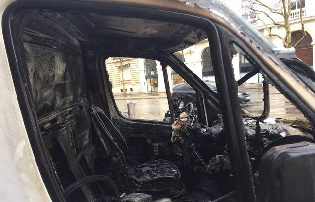 Le camion d'un fleuriste brûlé à proximité des Champs
