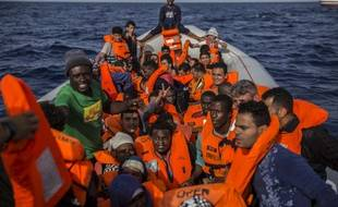 Le bateau de l'ONG espagnole Proactiva Open Arms avec 59 migrants à bord, le 30 juin 2018.