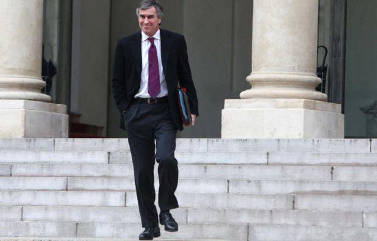 Le ministre du Budget Jérôme Cahuzac, lors de sa sortie du conseil des ministres à l'Elysée, le 5 décembre 2012. – Thibault Camus/AP/SIPA