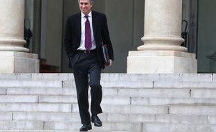 Le ministre du Budget Jérôme Cahuzac, lors de sa sortie du conseil des ministres à l'Elysée, le 5 décembre 2012.