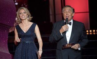 Sylvie Tellier, directrice générale de la société Miss France, et le présentateur Jean-Pierre Foucault lors du concours Miss France 2018.
