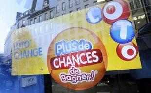 La cagnotte de 13 millions d'euros du Super Loto du vendredi 13 - le deuxième de l'année - a été décrochée par un joueur du Loiret lors du tirage vendredi soir sur France 2.