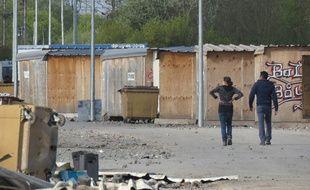 Salariés de la ville de Grande-Synthe dans le camp dit de La Linière