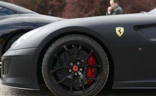 Un homme, âgé d'une vingtaine d'années, s'est filmé, ivre, au volant d'une Ferrari