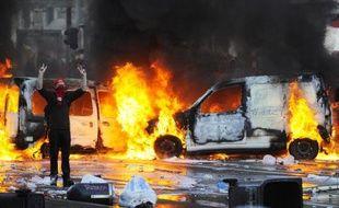 Des affrontements entre des manifestants contre les mesures d'austérité et les policiers à Bruxelles, le 6 novembre 2014