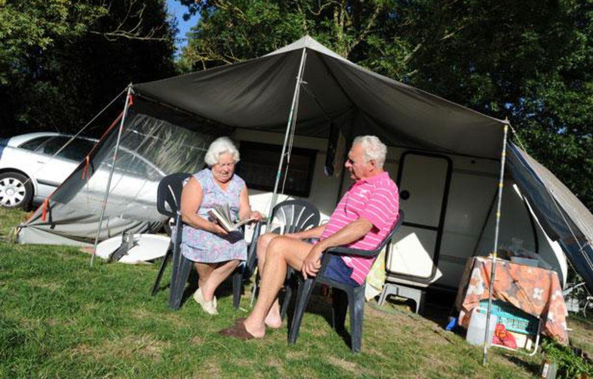 Un couple au camping du chêne, à Saint Julien de Concelles.  – F. ELSNER / 20 MINUTES