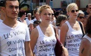 """Marche blanche de soutien à la victime d'un viol réclamant """"que justice soit faite"""" à Perpignan le 6 juillet 2014"""