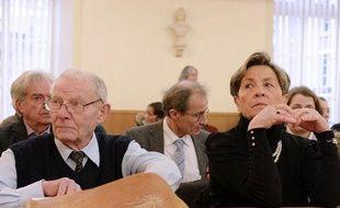 Le rapporteur public s'est prononcé en faveur d'une nouvelle expertise médicale sur la personne de Vincent Lambert, tétraplégique en état végétatif chronique,lors de l'audience au Conseil d'Etat jeudi.