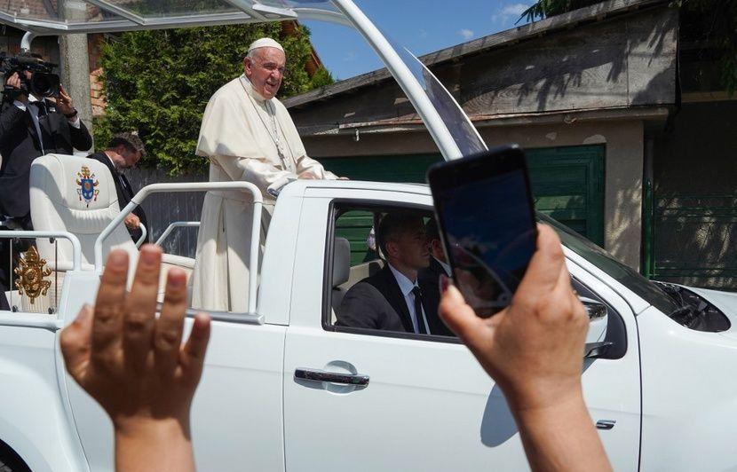 Le pape François a demandé «pardon» aux Roms lors de sa visite en Roumanie
