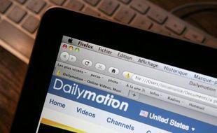 Le groupe internet américain Yahoo! a renoncé à acquérir le contrôle du site français de vidéo Dailymotion devant l'opposition du ministre du Redressement productif Arnaud Montebourg à voir ce joyau de la high-tech française passer en mains étrangères, selon le Wall Street Journal.