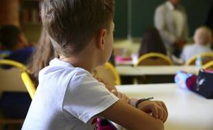 Un élève dans une école élémentaire.