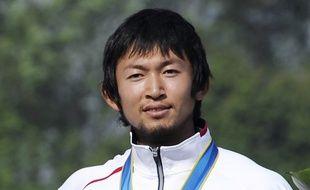 Yasuhiro Suzuki, un champion japonais de canoë-kayak, a été suspendu après avoir versé une substance interdite dans la boisson d'un rival en vue de se qualifier pour les JO.