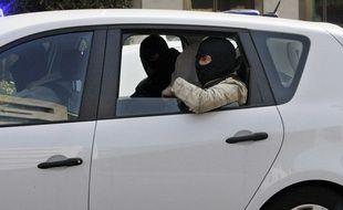 Abdelkader Merah soupçonné d'être l'un des passagers de la voiture. Le 24 mars 2012